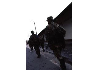二人の軍人