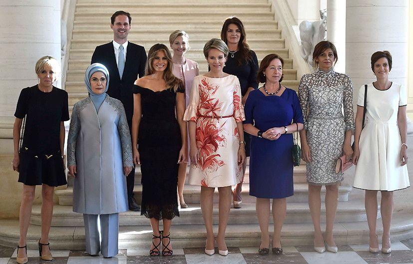 NATO首脳会議時の記念写真(2017年5月/ベルギー・ブリュッセル)出典:ロイター