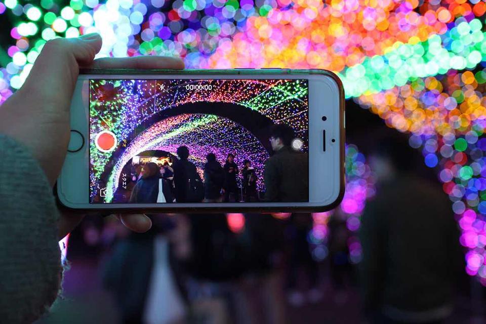 5Gによるスマホ動画普及のイメージ